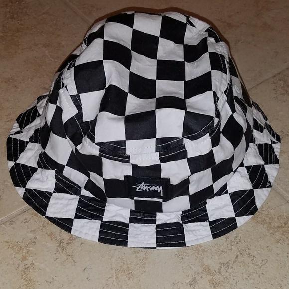 93d3fdea3ca53 Stussy checkered bucket hat